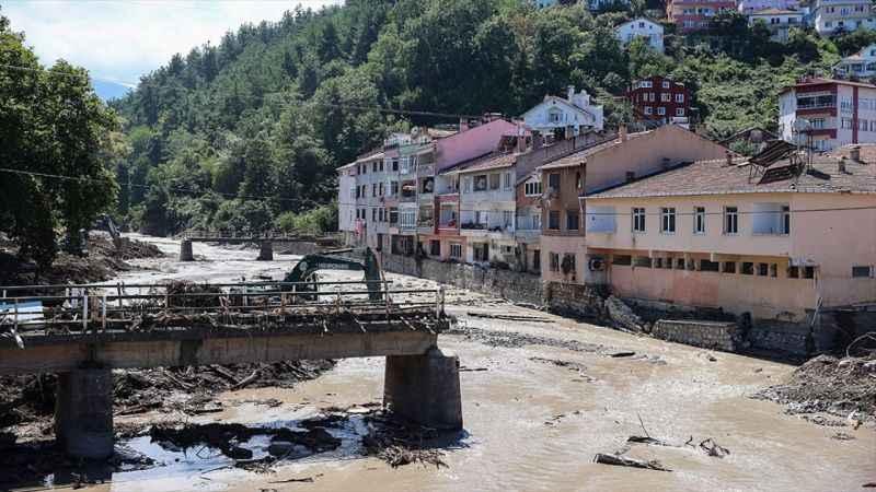 Batı Karadeniz'de selden etkilenen tüm bölgelere elektrik verildi
