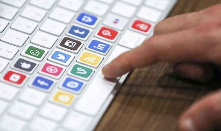 AK Parti'nin sosyal medya düzenlemesi: troller deşifre olacak
