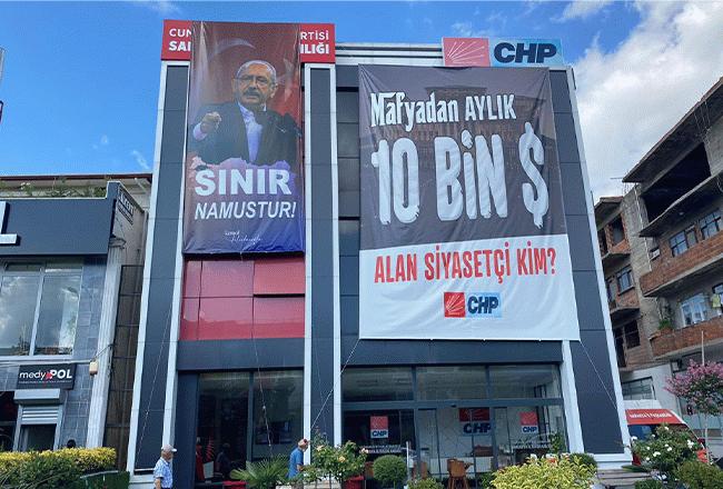 CHP il binasına 'Sınır namustur' pankartı asıldı!