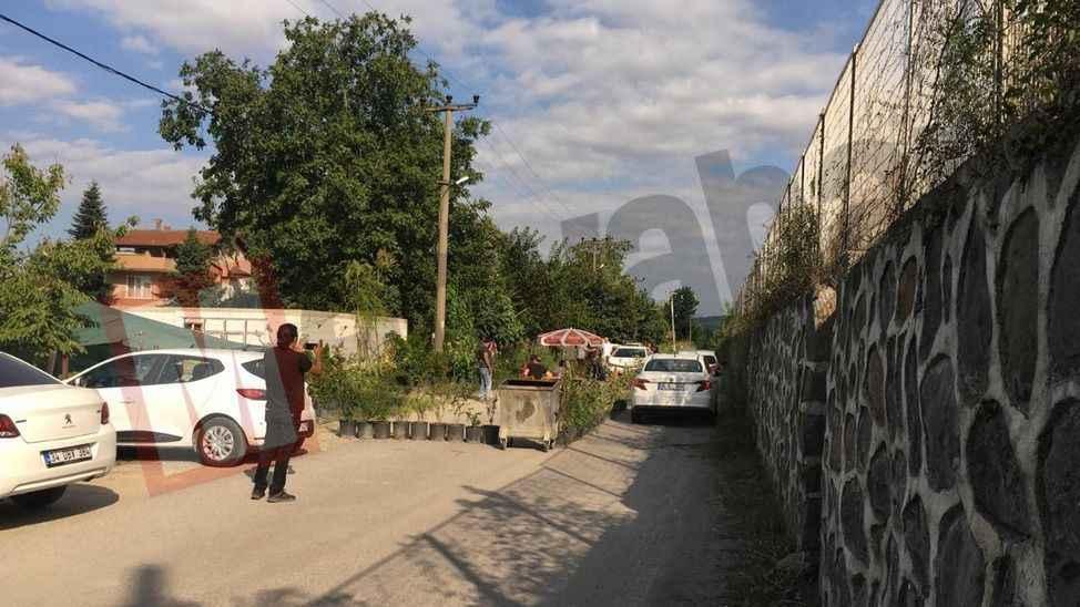'Tapulu malım' dediği yolu trafiğe kapattı