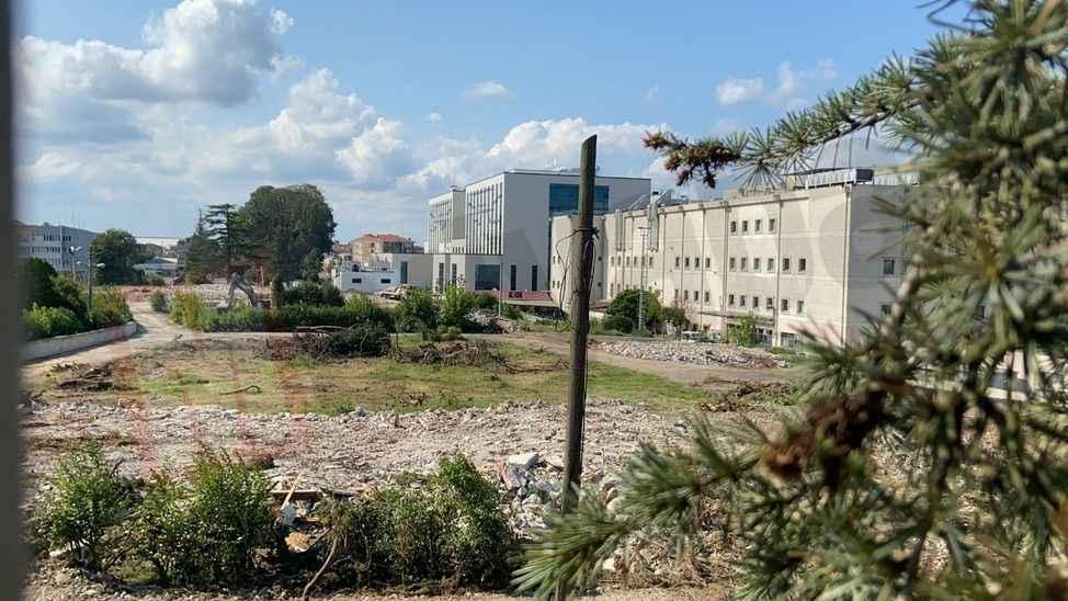 Bu hastane Sakarya'ya ilaç gibi gelecek! Acil Durum Hastanesi için ilk kazma vuruldu...