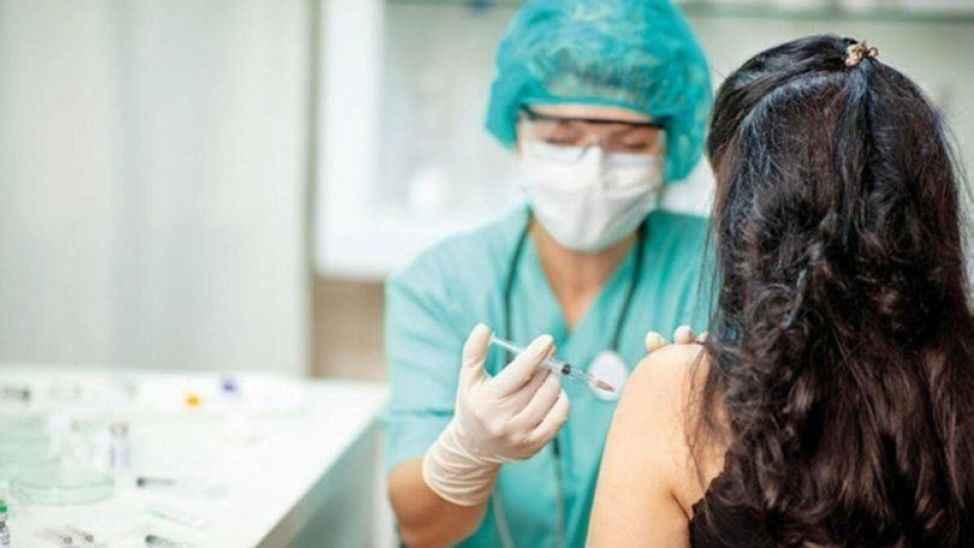 """3 bin TL'ye aşı olmadan """"aşı oldu"""" kaydı! Bir skandal ortaya çıkarıldı!"""
