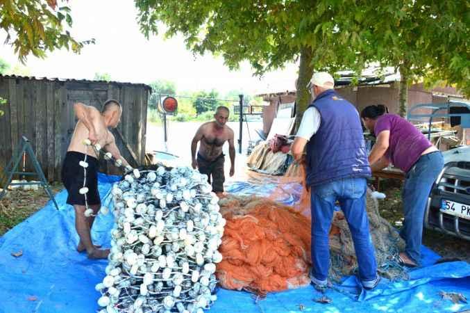 Sakarya ve Düzce'de balıkçılar ağlarını denize atmaya hazır