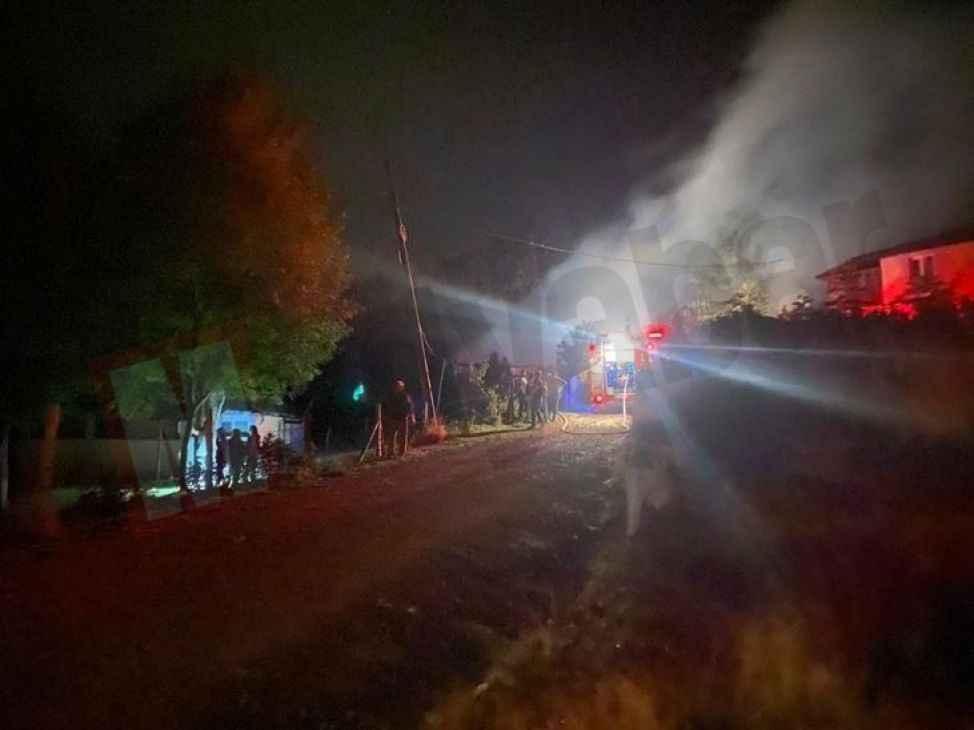 Keremali Yaylası'ndaki yangın ormanlık alana sıçramadan söndürüldü
