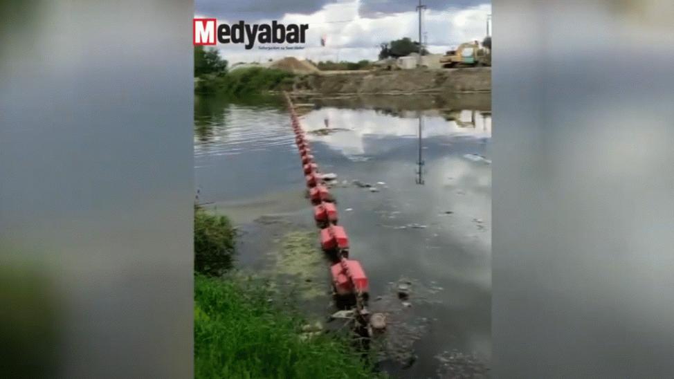 """Sakarya Nehri'nde çevre felaketi! """"Pislik ve koku hiç mi rahatsız etmiyor?"""""""