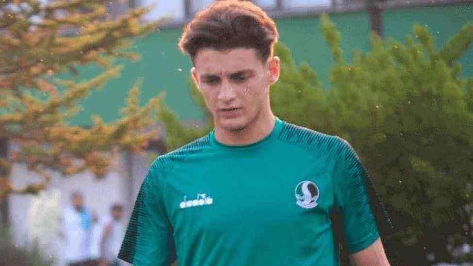 Sakaryaspor genç futbolcuyla devam kararı aldı!
