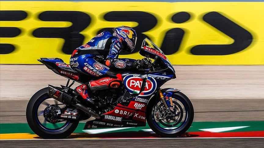 Milli motosikletçi Toprak Razgatlıoğlu Fransa'da birinci oldu