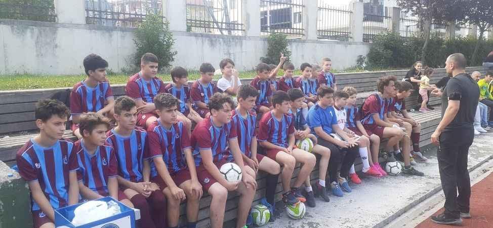 Trabzonspor Sakarya Futbol Okulu'ndan futbol şöleni