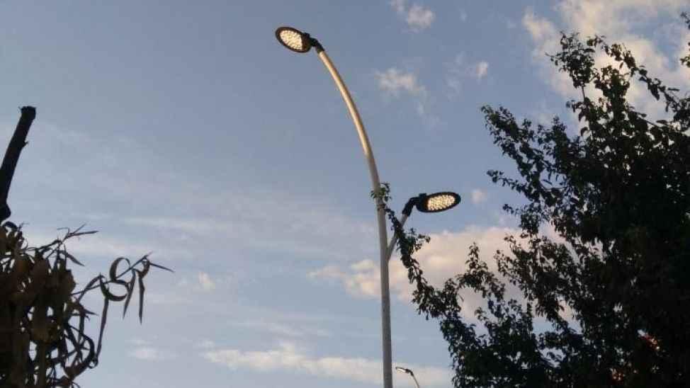 """Serdivan'da aydınlatma şikayeti """"Her gün fazladan 1,5 saat yanıyor"""""""