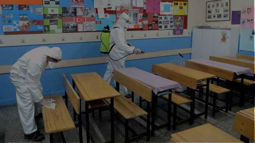Akyazı'da 3 okulda 5 sınıf karantina altına alındı