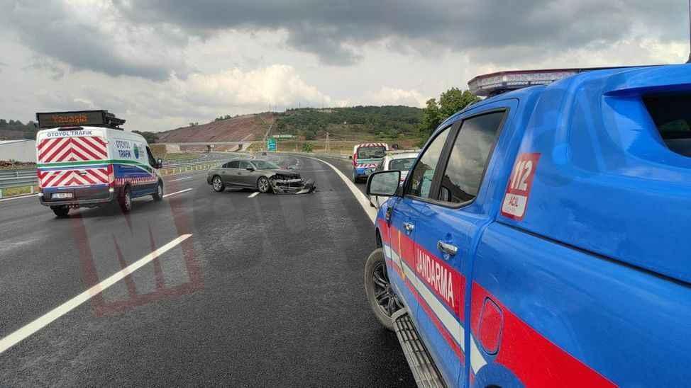 KMO'da zincirleme kaza! 3 araç birbirine girdi