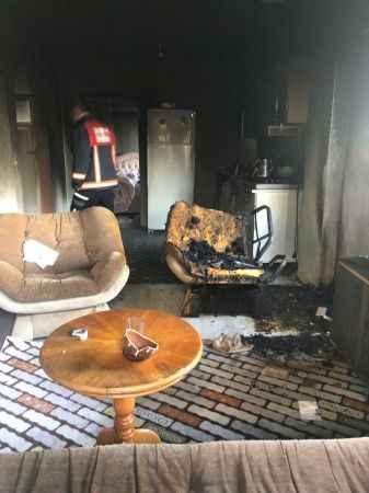 Ferizli'de çıkan ev yangını söndürüldü