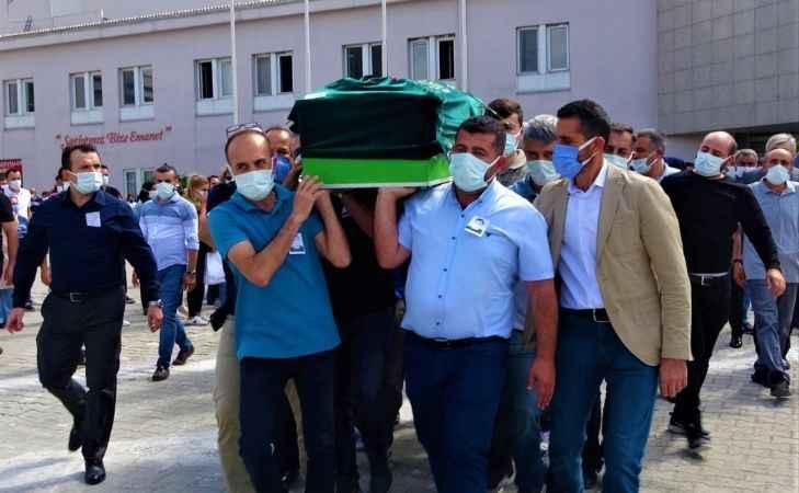 Kocaeli'de korona virüsten hayatını kaybeden doktor hastaneden törenle uğurlandı