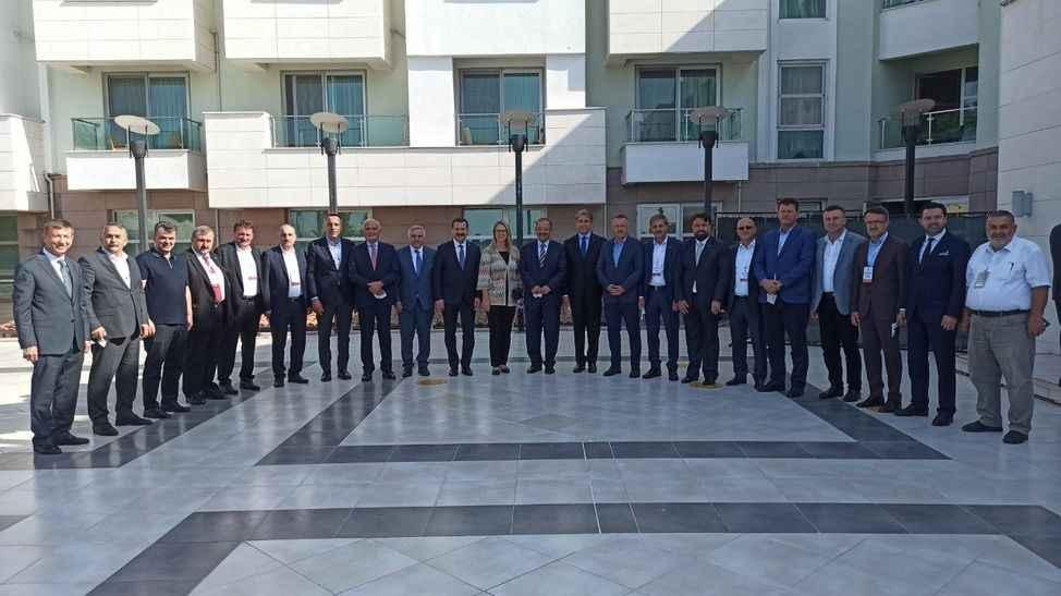 """""""AK Parti Yerel Yönetimler Bölge Toplantısı"""" Balıkesir'de devam ediyor"""