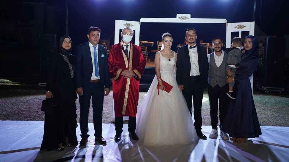 Başkan Candemir'in mutlu günü...Oğlunu evlendirdi