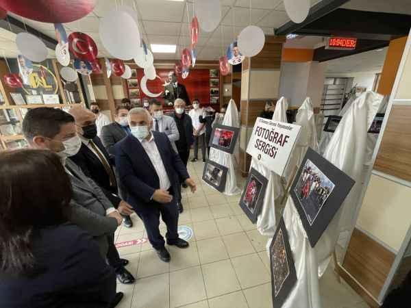 """Anadolu Ajansı fotoğraflarından oluşan """"15 Temmuz"""" konulu fotoğraf sergisi açıldı"""