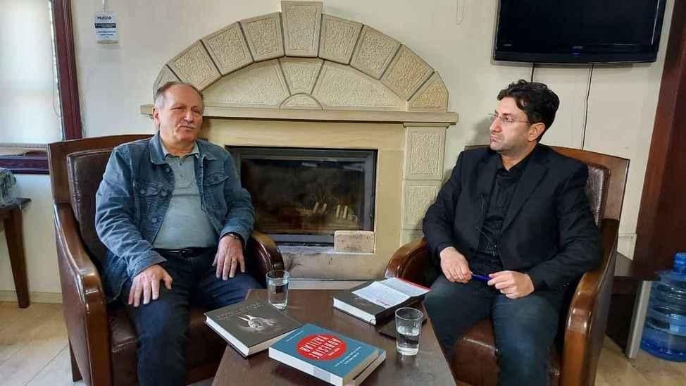 Arapoğlu'nun bu haftaki konuğu  gazeteci-yazar Yusuf Cinal