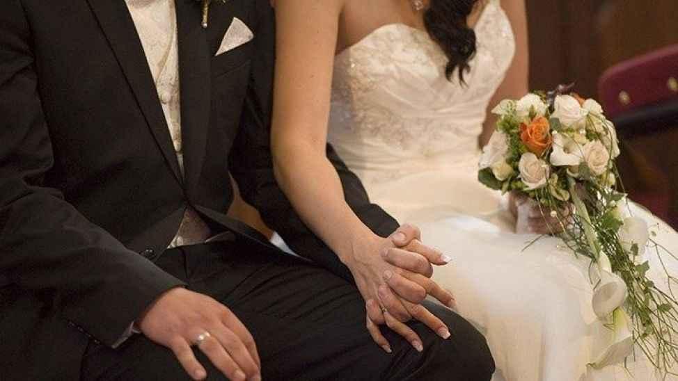 """Düğünde """"Süper Bulaştırıcı"""" vakası! 25 kişi pozitif, 100'e yakın temaslı var!"""