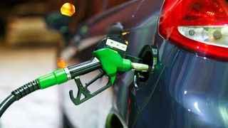 SON DAKİKA: Motorine ve benzine gelen zam resmen açıklandı!