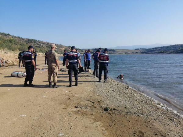 Balık tutarken baraj gölüne düşen çocuk öldü