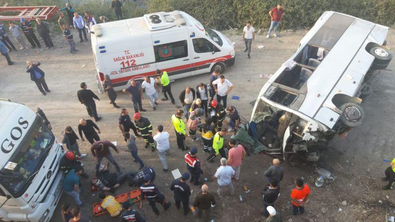 Kocaeli'de Feci Kaza: İşçi Servisi Devrildi