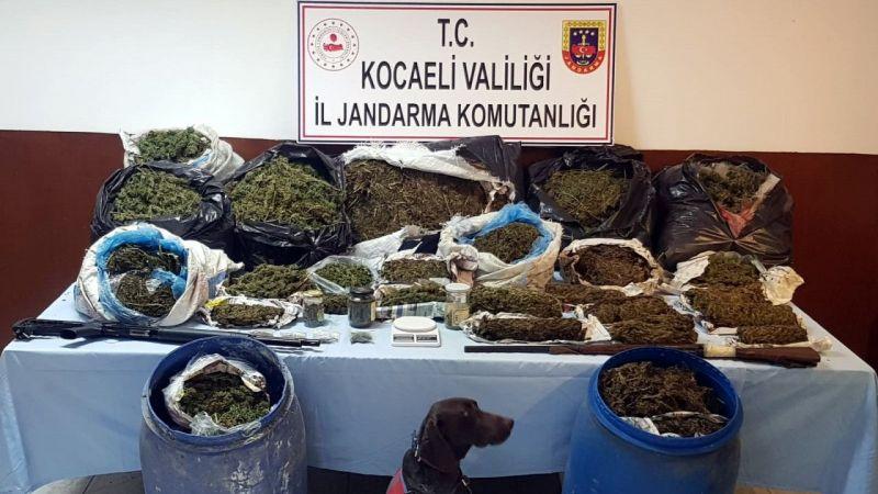 Kocaeli'de bir evde 61 kilogram esrar ele geçirildi
