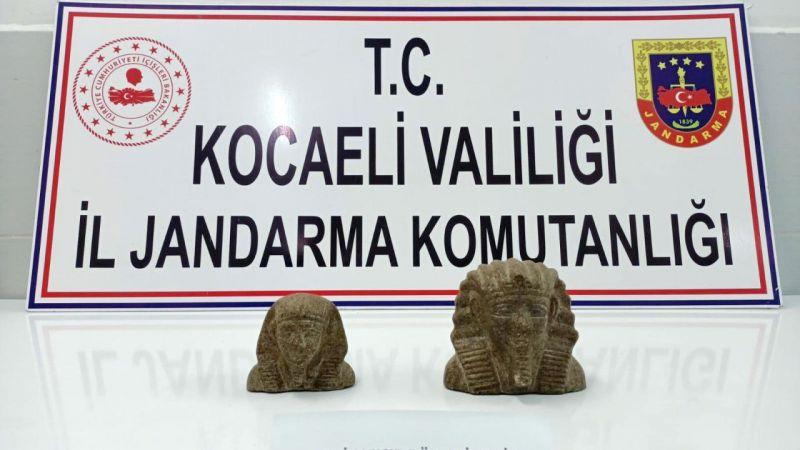 Kocaeli'de antik Mısır dönemine ait tarihi eseri satmaya çalışan 2 kişi yakalandı
