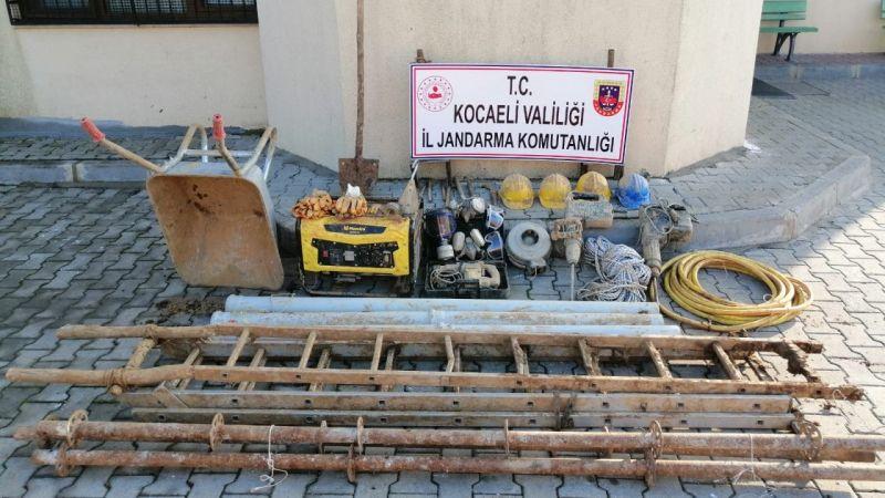 Kocaeli'de izinsiz kazı yaptıkları iddiasıyla 4 kişi gözaltına alındı