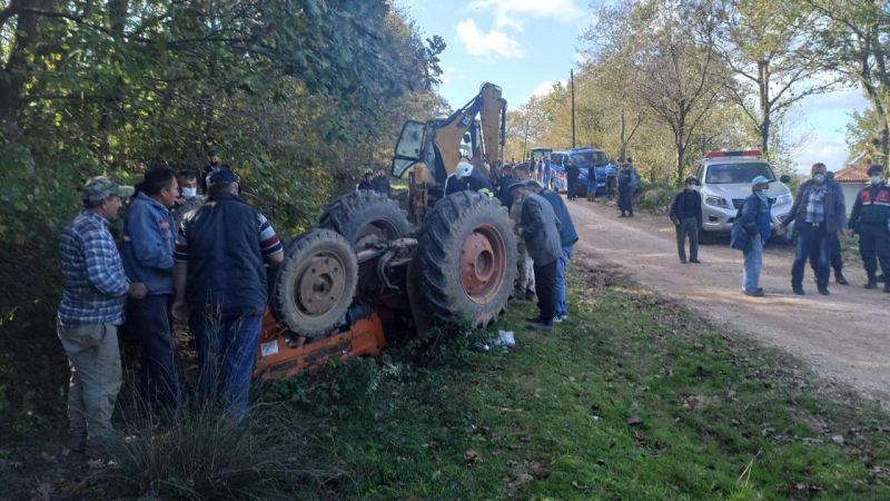 Kocaeli'de devrilen traktörün sürücüsü yaralandı