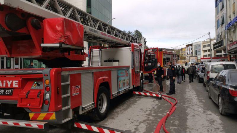 Kocaeli'de bir restoranda çıkan yangın söndürüldü