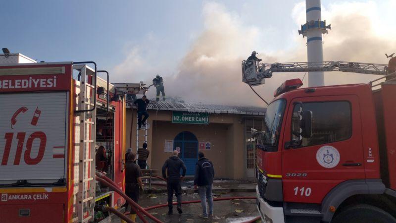 Kocaeli'de kulübeden camiye sıçrayan yangın söndürüldü