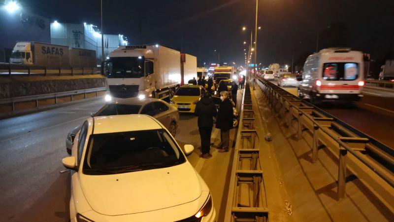 Kocaeli'de zincirleme trafik kazası: 1 yaralı