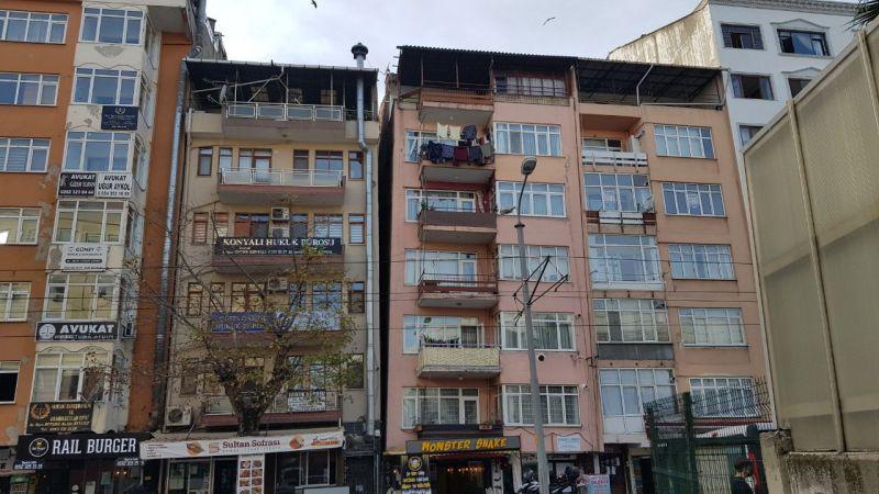 Marmara Depremi'nde birbirinden ayrılan Kocaeli'deki 2 bina yıkılacak