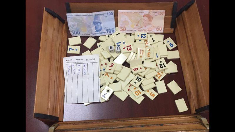 Kocaeli'de kumar oynayan ve tedbirleri ihlal eden 24 kişiye para cezası