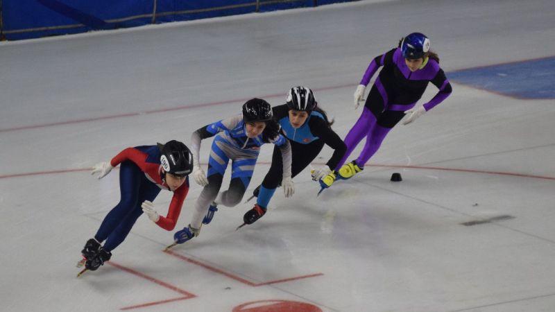Buz pateninde Short Track Türkiye Şampiyonası sona erdi