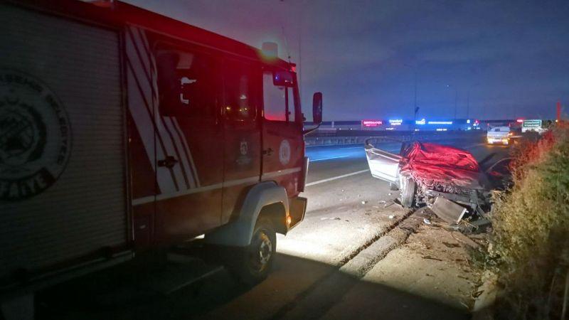 Anadolu Otoyolu Kocaeli kesiminde hafif ticari araçla otomobil çarpıştı: 4 yaralı