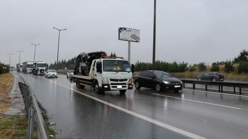 Anadolu Otoyolu'ndaki kazann ardından yol trafiğe açıldı