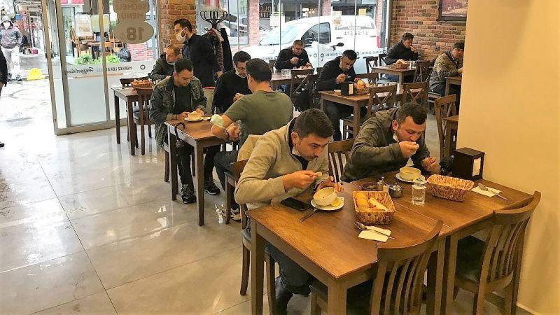 Kocaeli'de kademeli normalleşme kapsamında yeme-içme yerleri açıldı