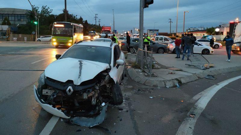 Kocaeli'de otomobil ile tır çarpıştı: 1 yaralı