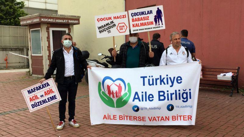 İstanbul'dan Ankara'ya yürüyen Türkiye Aile Birliği üyeleri Kocaeli'ye ulaştı