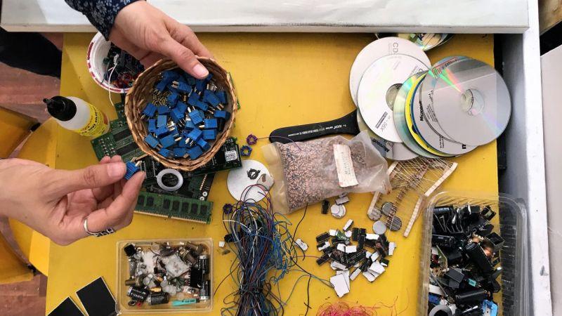 Elektronik atıklar sanatla hayat buluyor