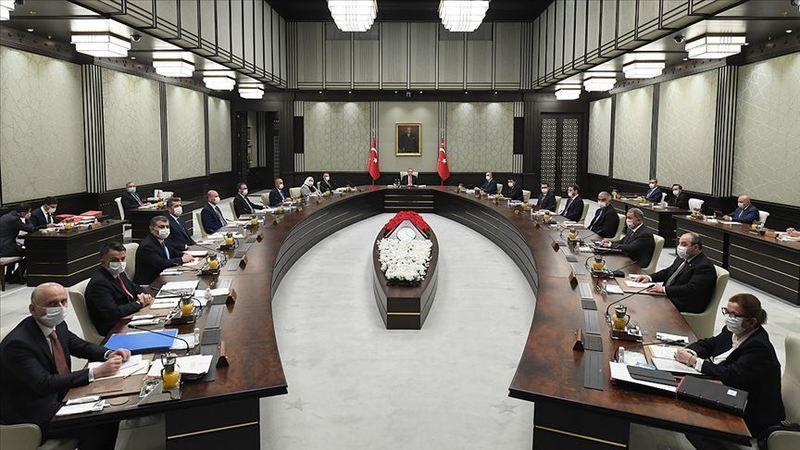 Kabine Toplantısı ertelendi. Yasaklar devam edecek mi?