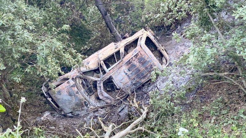 Kocaeli'de arazi aracı şarampole devrildi: 3 yaralı