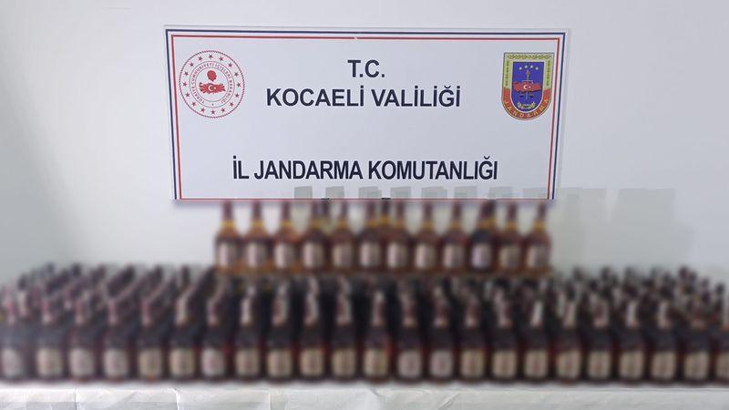 Kocaeli'de 190 şişe sahte içki ele geçirildi