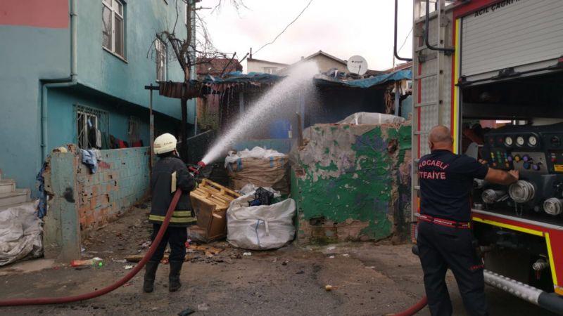 Kocaeli'de gecekonduda yangın paniği