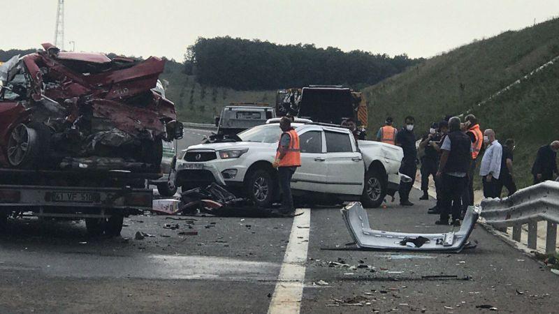 Kuzey Marmara Otoyolu'nda 3 aracın karıştığı kazada 16 yaşındaki genç öldü