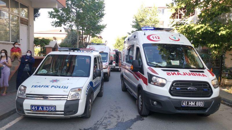Kocaeli'de panelvan ile servis minibüsü çarpıştı: 10 yaralı