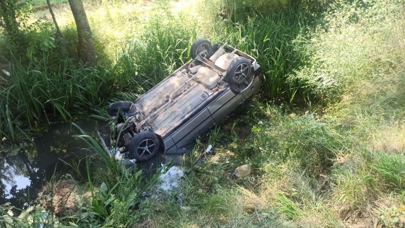 Kocaeli'de kaza yapan sürücüye yardım için duran araca otomobil çarptı: 3 yaralı