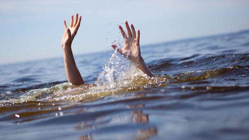 Kocaeli'de denize giren 2 gençten biri boğuldu