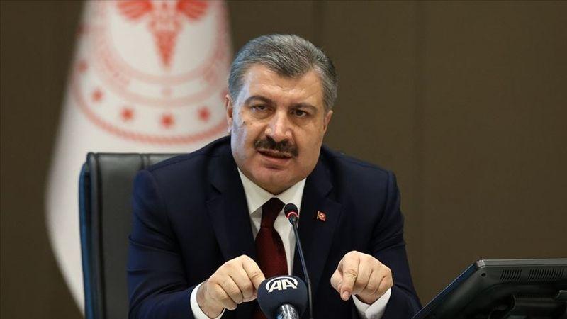 """Sağlık Bakanı Koca'dan """"aşı ve tedbir"""" çağrısı"""
